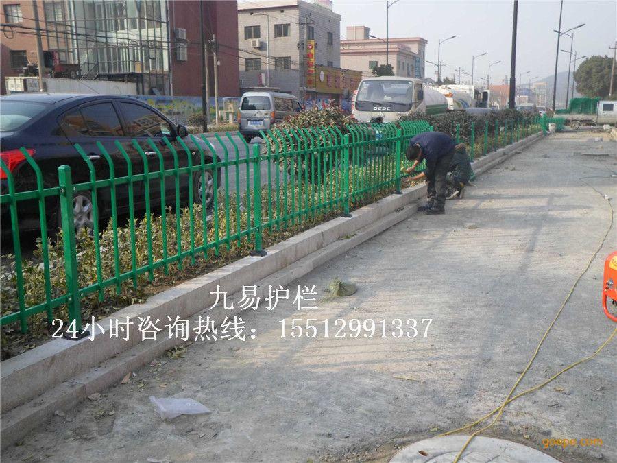 市政绿化防护栏 绿色方管道路围栏 花池公园栅栏