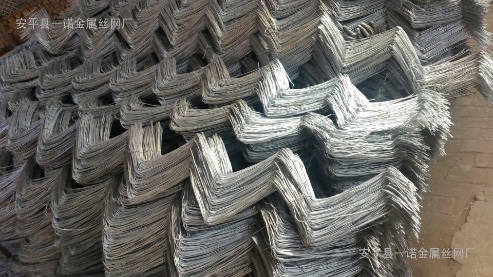 固原生态绿化菱形铁丝网-用在高速护坡、岩石防护网-主营厂家