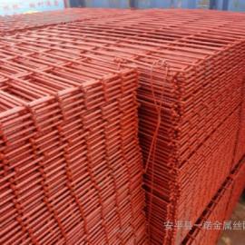 济南喷漆钢筋焊网/车间隔离菱形孔钢板网=工程脚手架踏板焊网