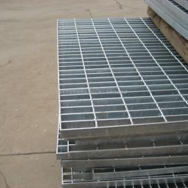 新疆钢格板哪里有万胜低价直销电厂热镀锌沟盖板楼梯踏步板