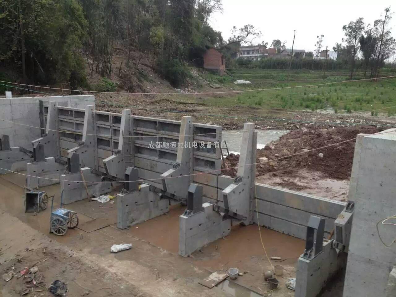 四川翻板�l�T|成都水力翻板�l�T|液�悍�板�l�T|混凝土翻板�l�T