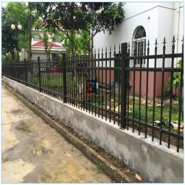 南京庭院围墙护栏 小区围墙栅栏 镀锌钢管烤漆 龙桥护栏生产