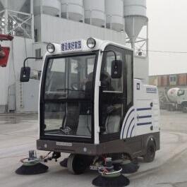 混凝土搅拌站天津明诺驾驶式扫地机