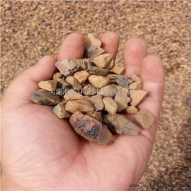 页岩陶粒滤料是以页岩土为基料,经精加工而成的,有足够的强度