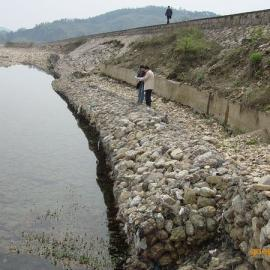LZ江河迎水坡防护格宾网垫 江河护滩格宾垫 镀高锌格宾网垫