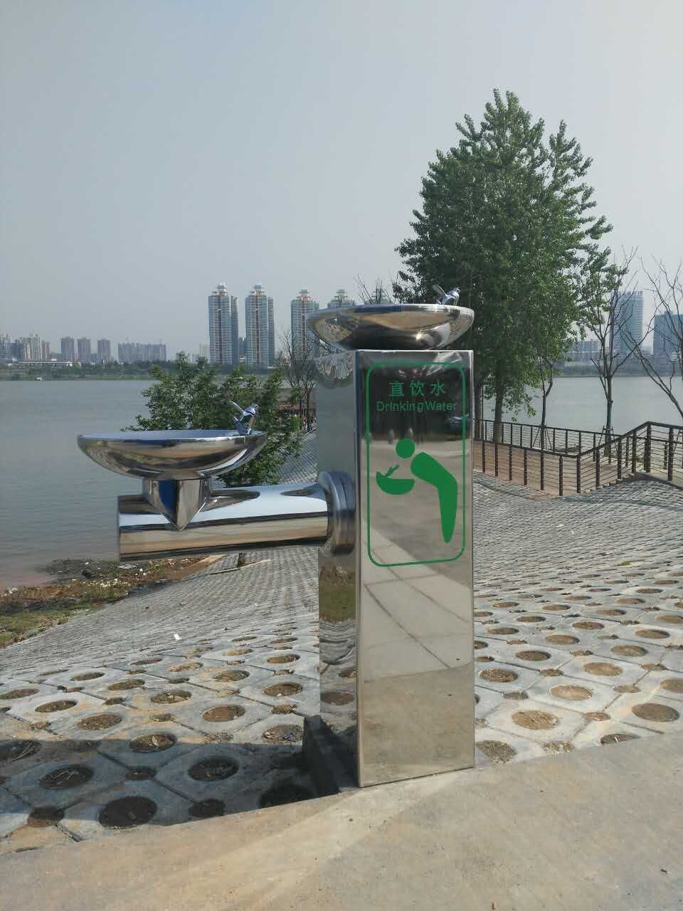 城市公园休闲绿道直饮水台
