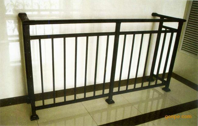 木头阳台扶手图片
