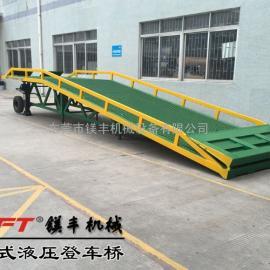 仲恺潼湖叉车装卸货平台|手摇式液压登车桥