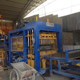 建瓯小型制砖机恒兴砖机哪家比较好QT18-15多孔砖机