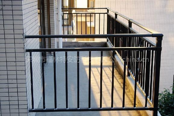高层阳台护栏十多年流水线生产经验不二之选 免费组合安装