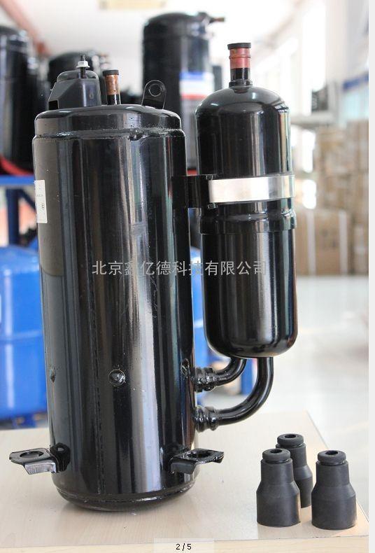 原装正品全新海立压缩机SD091CV-H3BU小1匹220V转子空调压缩机 北京鑫亿德科技有限公司是一家综合型制冷设备材料供应商。经销国内外品牌压缩机、制冷剂、冷冻油、制冷配件,提供中央空调工程维保改造、冷冻冷藏设计安装等技术服务。依托雄厚的技术力量和稳定的供应链随时为客户提供一站式采购服务和解决方案。秉承诚信经营、服务客户的理念。以优质的产品和专业的服务广泛供应于工厂企业,科研院校、事业单位、酒店餐饮、宾馆超市、维保单位、终端客户。欢迎新老客户来电咨询订购。
