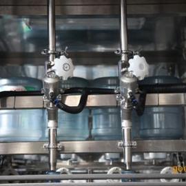 中瓶水设备生产线价格 净水设备 桶装水设备