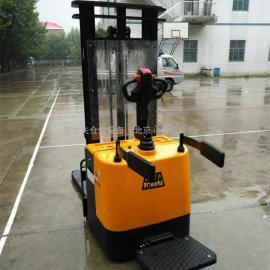 高品质1.5吨升3米全电瓶叉车 电动叉车 站驾式电动堆高车