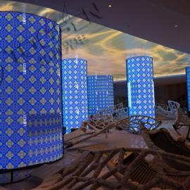 酒店大厅直径1米p2圆柱形LED电子屏多少钱高6米