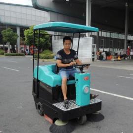 驾驶式扫地车工厂车间物业小区垃圾车KL1050P道路清扫车