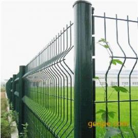 安平桃型立柱护栏网生产厂家 三折弯铁丝网围墙 安装简单方便网