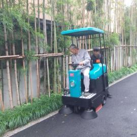 电瓶刷地机驾驶式清扫车学校商场广场用厂家直销