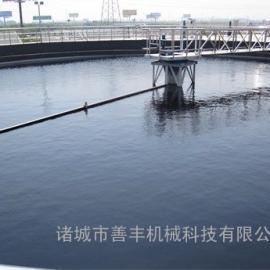 传动效率高的半桥式周边刮吸泥机