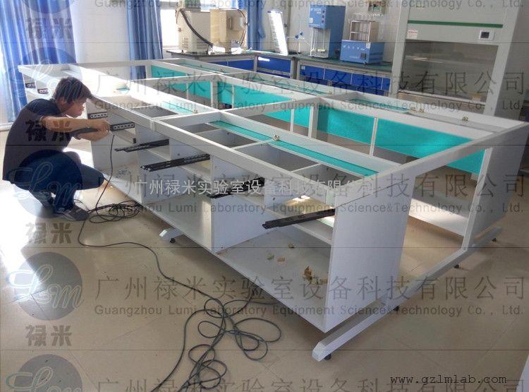"""广州禄米实验室设备科技有限公司是专业从事实验室设备开发研究、生产、销售的专业公司,以""""一站式""""服务为宗旨,为您提供优质、全面系统的服务。公司自成立以来一直-致力于产品的科技开发,结合国内外的先进技术不断推陈出新,专业化生产全钢制、钢木、全木制实验台及通风柜;禄米的产品在全国各大院校、科研、医药食品、石油、化工、环保、水质检测等广泛应用。我们以自身的雄厚实力,先进的管理体系,以环保、耐用、美观的专业设计观念、规范的生产、以可靠的保证及优质的服务,为您提供***的产品,帮您建立功能齐全"""