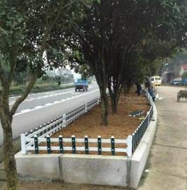 临沂PVC市政公园护栏,苍山县PVC草坪护栏,花坛绿化围栏