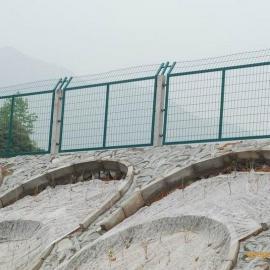 内蒙古现货双边丝护栏网