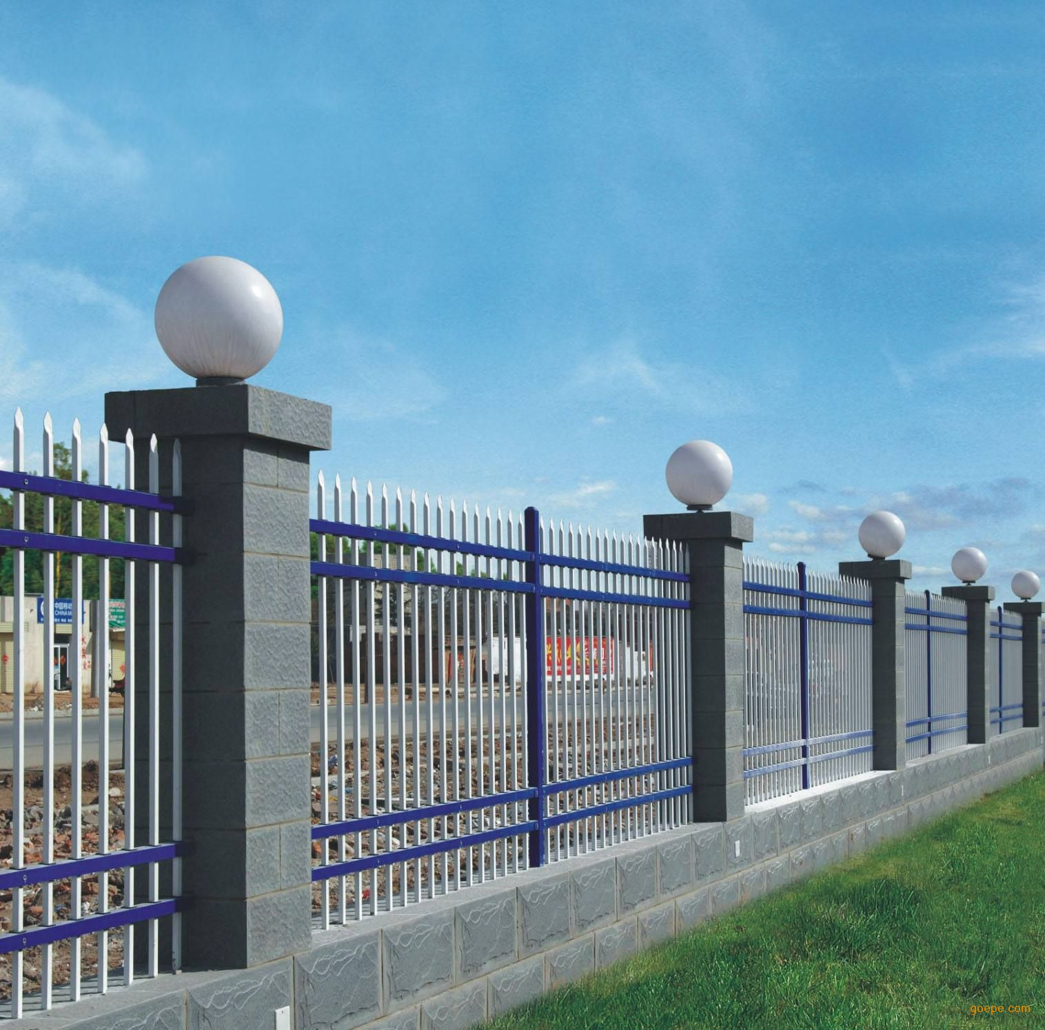 产品展示 锌钢围栏                    材料:方管 ;规格:40*51*1 ;孔