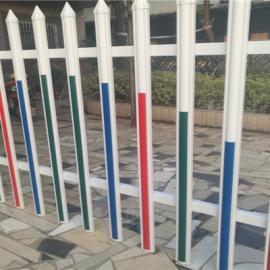 江西赣州塑钢护栏 赣州草坪护栏塑钢围栏 江西PVC施工围挡
