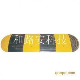 深圳道路优质橡胶减速带厂家,停车场道路减速坡