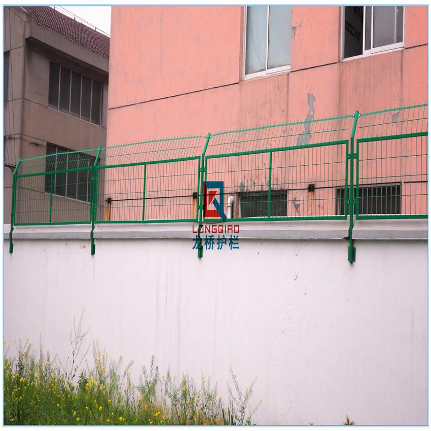 苏州防爬网 苏州围墙加高防护网 龙桥护栏按需订制
