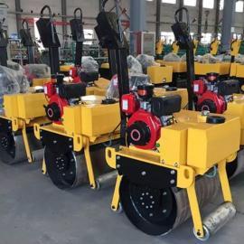 爬坡能力超强的一轮震动压路机 汽油轻型压土机 小型双轮振动碾出