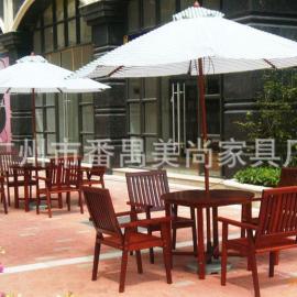 休闲户外家具 实木桌椅太阳伞组合