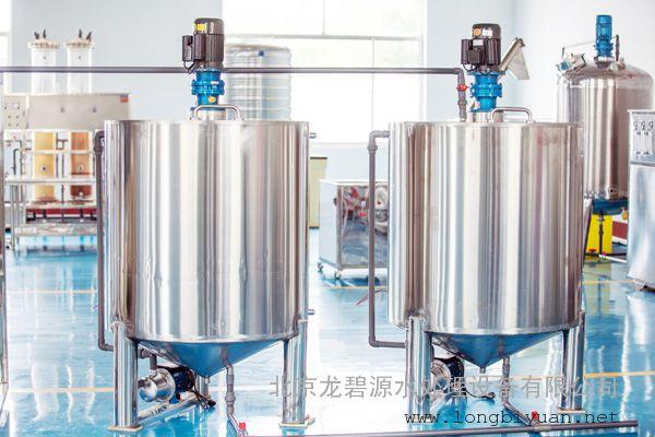 尿素设备、玻璃水设备厂家价格