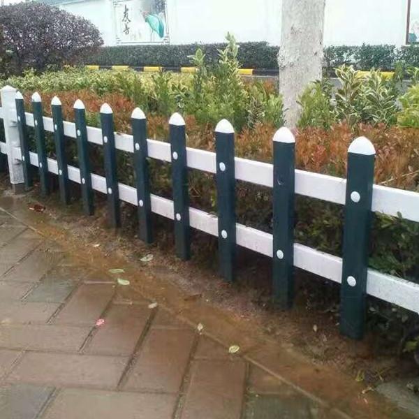 新蔡草坪护栏免费拿样,汝南县和孝镇PVC花池围栏采购安装