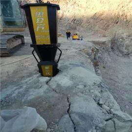 岩石劈裂器