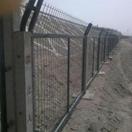 高铁防护栅栏金属网片