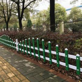 江苏宝应墨绿色花坛围栏-宝应木纹色PVC草坪护栏团购
