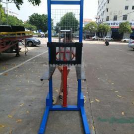 载重1吨槽钢手动液压堆高车/升降叉车/维修堆高车