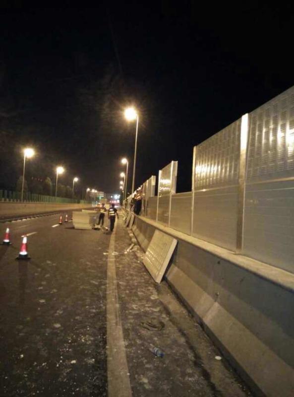 安康市铁路声屏障厂家 高速路声屏障 桥梁吸声板
