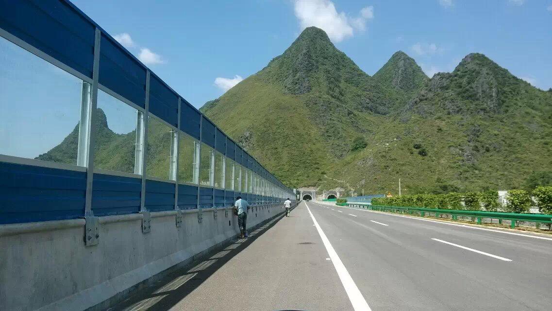 井冈山高速声屏障工厂 公路隔音板的种类 小区声屏障