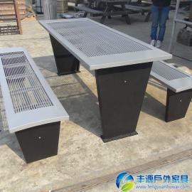 深圳市铁艺休闲桌椅批发