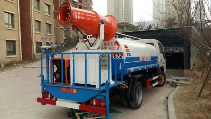 东风国三5吨雾炮洒水车