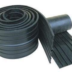 0.8厚钢边橡胶止水带