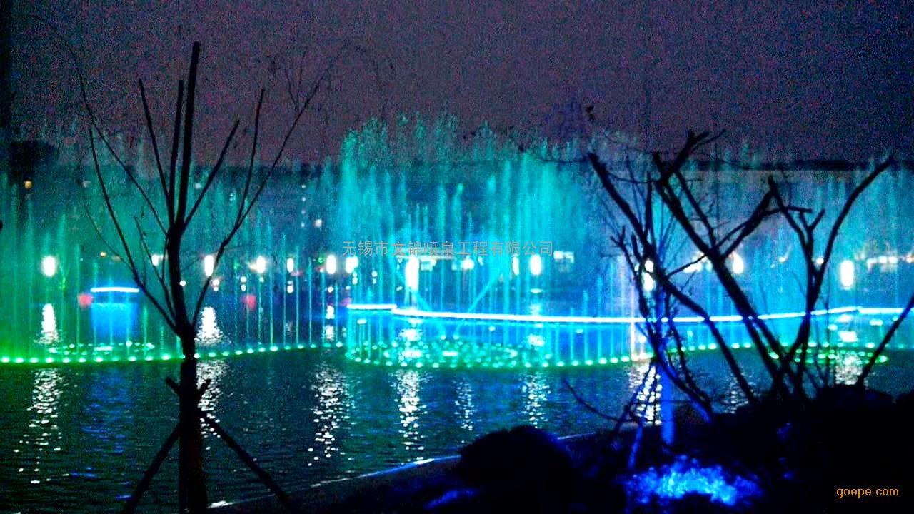 人工湖 大型彩色音乐喷泉