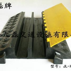 车间地面护线板,二线槽护线板,两个槽橡胶护线板,电缆护线板