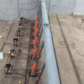 闸门是一种借助水力和动力作用, 利用水力和闸门重 量平衡的原理