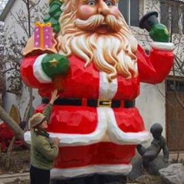 东莞原著雕塑工厂制作圣诞老人雕塑 圣诞商场美陈雕塑摆件