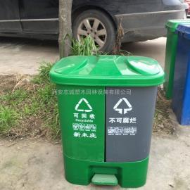40升分类塑料垃圾桶_新农村户外脚踏式摇盖分类垃圾桶供应厂家