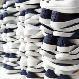 广佑天隆防静电四眼鞋为何如此受到电子厂的青睐