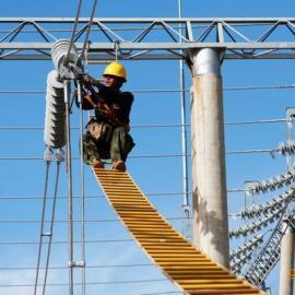电工高空作业安全逃生梯 绝缘软梯尼龙绳梯价格