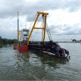 14寸绞吸式挖泥船操作简单,易于控制效率高
